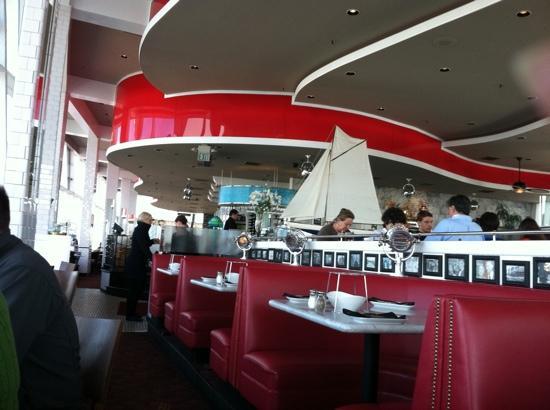 Franciscan Crab Restaurant: Franciscan restaurant interior