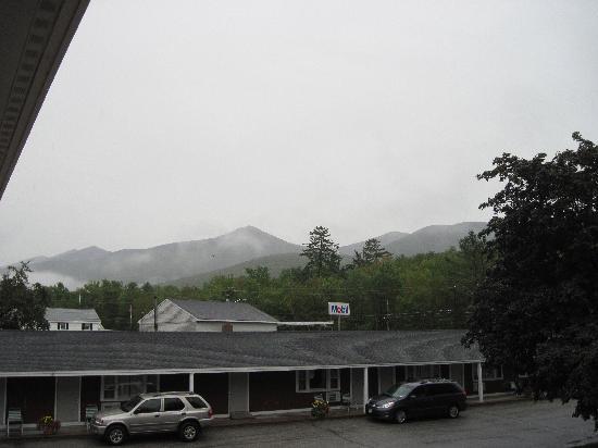 Woodwards Resort & Inn : Mountain View
