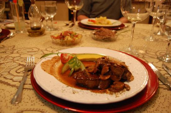 San Cristobal Paladar: steak with mushrooms