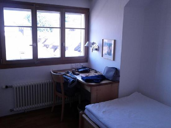 City-Hotel Ochsen Zug: room (a)