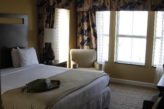 Holiday Inn Express Savannah-Historic District: Room 818