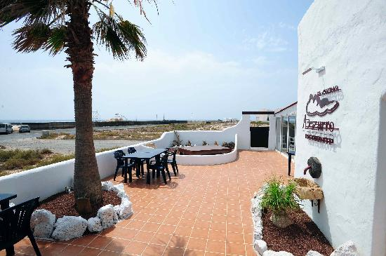 new open Azzurro chill out restaurant