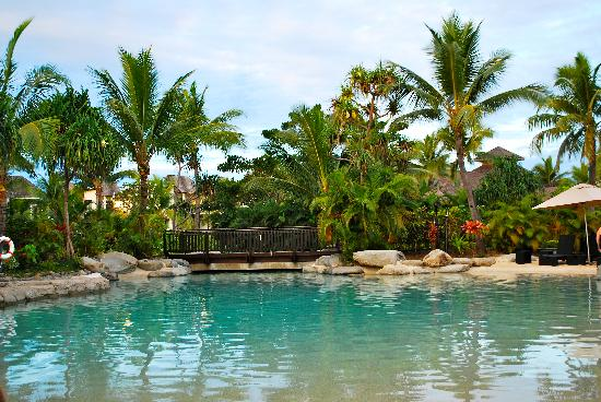 Radisson Blu Resort Fiji Denarau Island: adult's only pool was very good, gets too crowded in the day