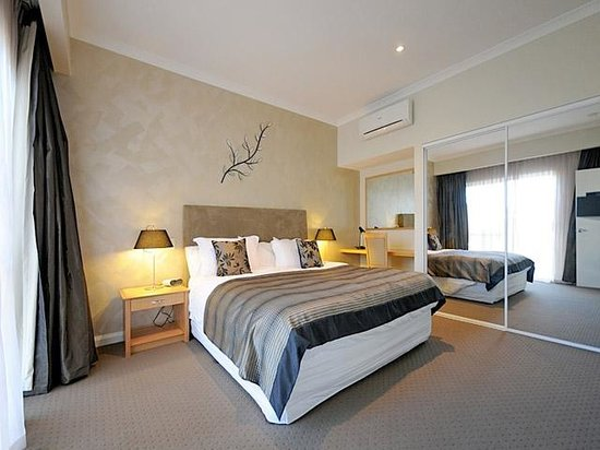 Burns Beach Bed & Breakfast: Westside Room