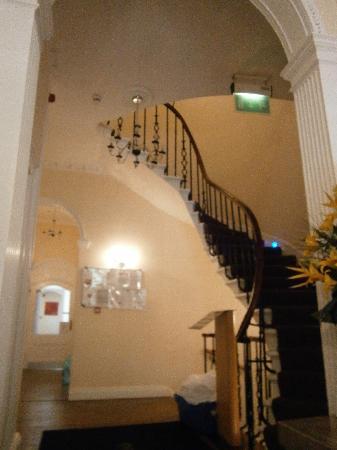Queens Guest House : La entrada