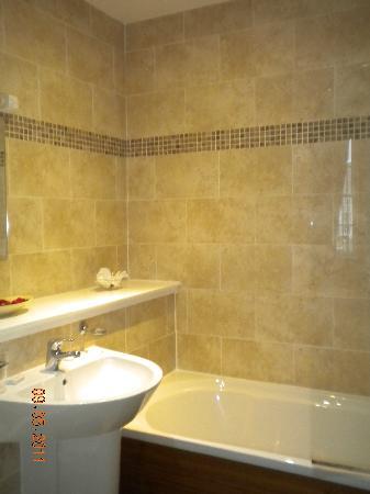 Queens Guest House : El baño