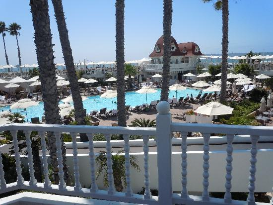 Hotel del Coronado: Pool and patio