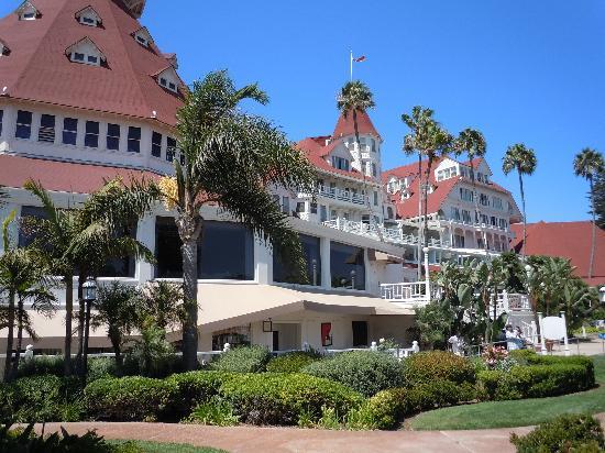 Hotel del Coronado: Hotel front