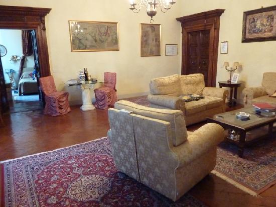 Palazzo Magnani Feroni : Living Room of Giuseppe Suite