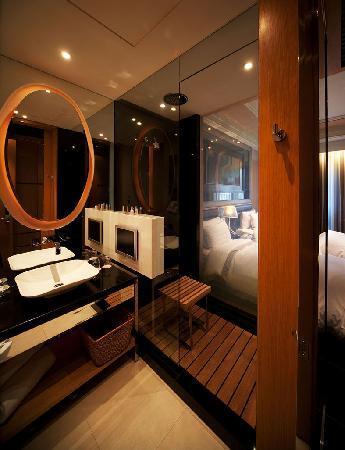Hotel Eclat Taipei: Sophisticated bathroom