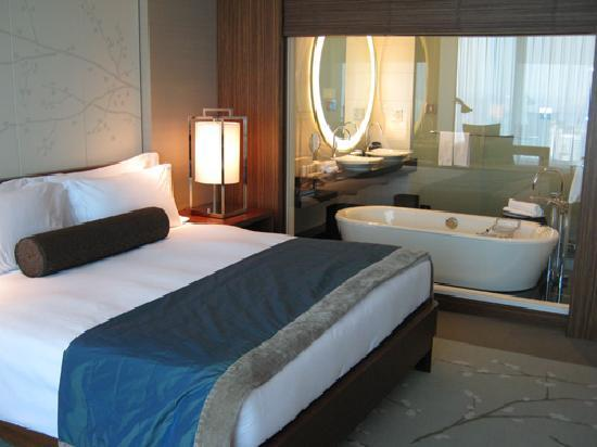 Conrad Tokyo: 2回目の宿泊の際に泊まった狭い部屋