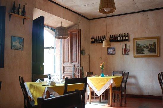 La Toscana: The entrance