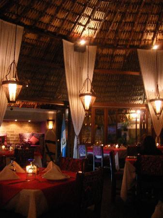 Kacao: Main dining area