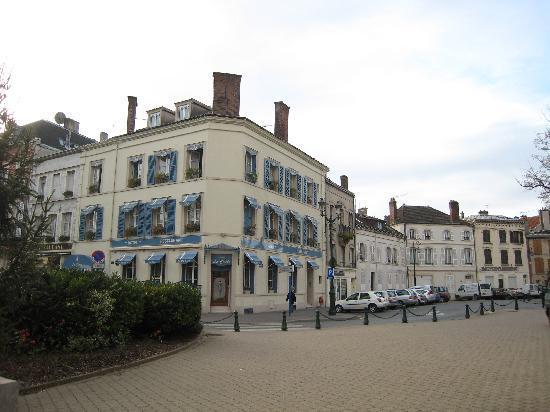 L'hotel de la Cloche