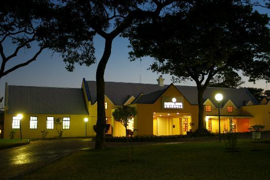 Protea Hotel by Marriott Chingola: Protea Hotel Chingola Front Exterior