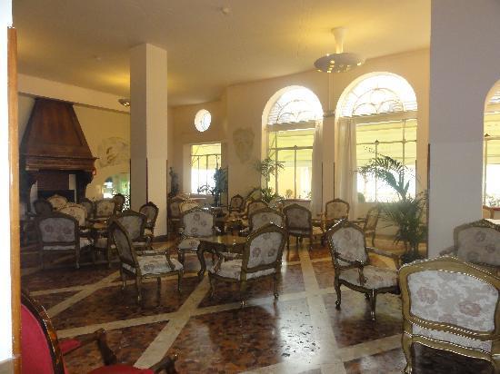 Hotel Bazzoni et du Lac: Lounge