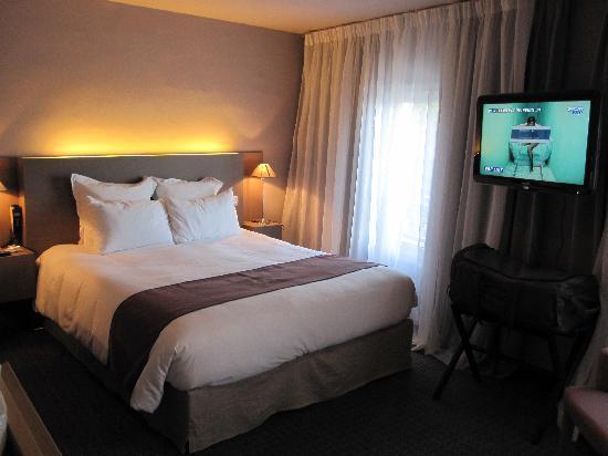 BEST WESTERN Hôtel de la Brèche : Chambre avec écran LCD