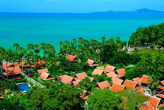 Rabbit Resort: Thai Village and houses directly on Dongtan Beach