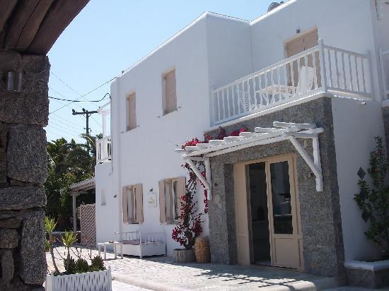 Vanilla Hotel: hotel entrance