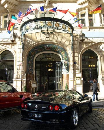 Cafe de Paris - Hotel Paris : La façade