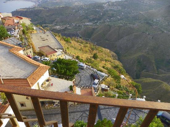 Hotel Panorama Di Sicilia: PANORAMA DAL BALCONE