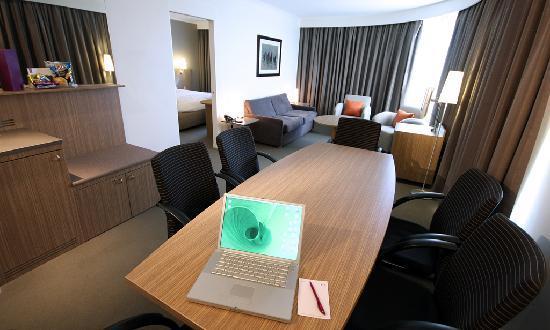 Mercure Sydney Parramatta: Executive Spa Suite