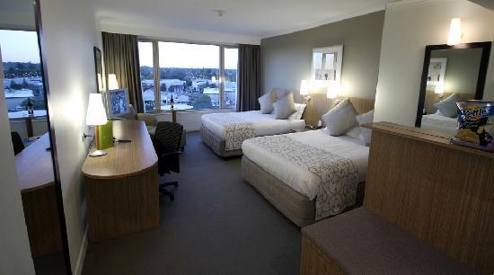 Mercure Sydney Parramatta: Mercure Twin Guest Room
