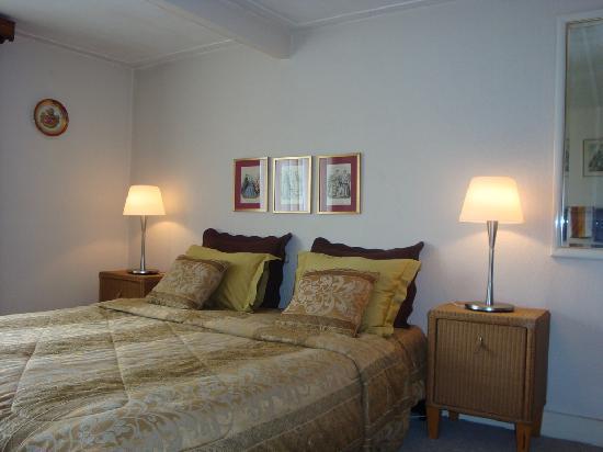 Bot Bed & Breakfast: Gardenview room