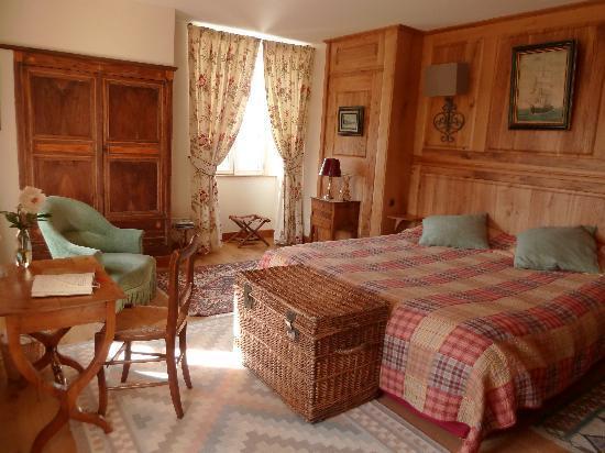 Hameau les brunes b b reviews price comparison for Chambre d hotel france