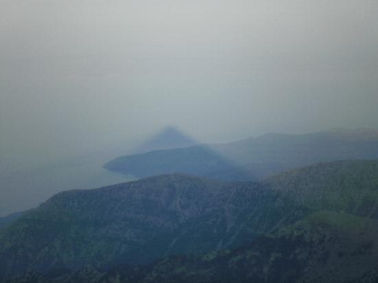Ilaeira Mountain Resort: View from the top - the pyramid of Taygetos