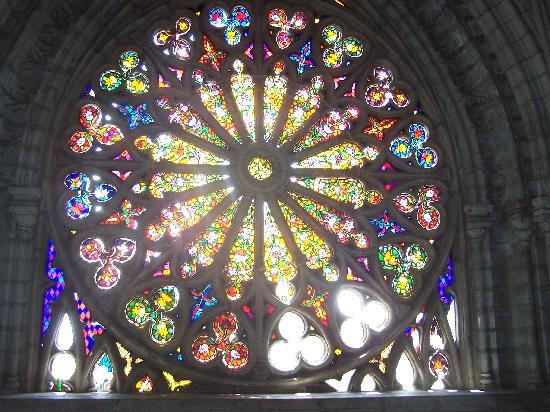 Basilique : huge stained glass window