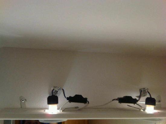 Chalet Miranda: dodgy wiring...in the bathroom