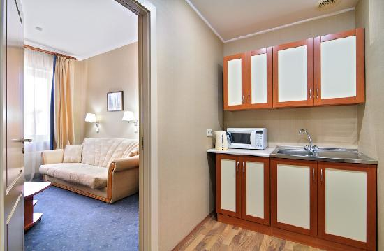 Hotel Cameo: Family one-bedroom suite (apartments)
