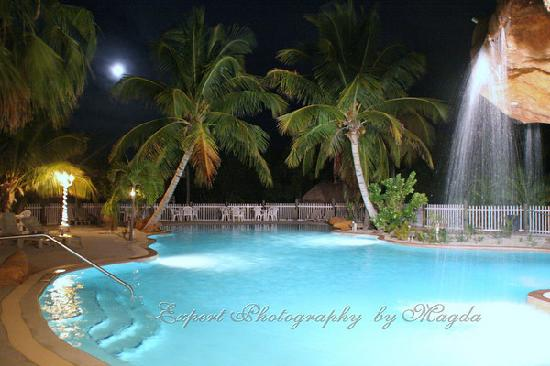 Coconut Cove Resort and Marina: Our swiming pool
