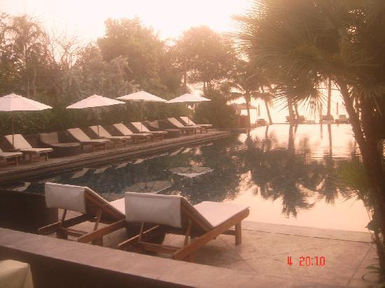 Asara Villa & Suite: at their infinity pool