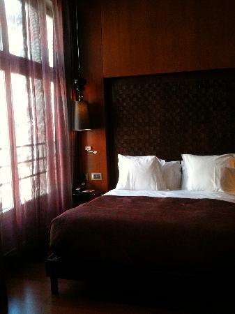 โรงแรมบองก์: Big for Paris!