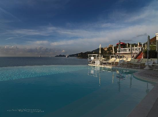 Excelsior Palace Hotel: The Infinity pool