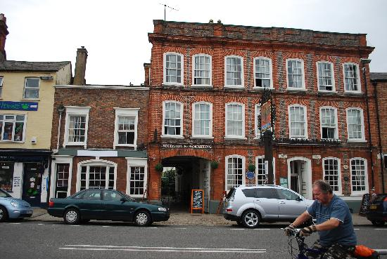 The Spread Eagle Hotel: Front view of Spread Eagle