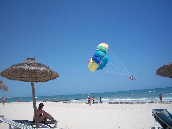 Club Marmara Yasmine: parachute ascentionnel