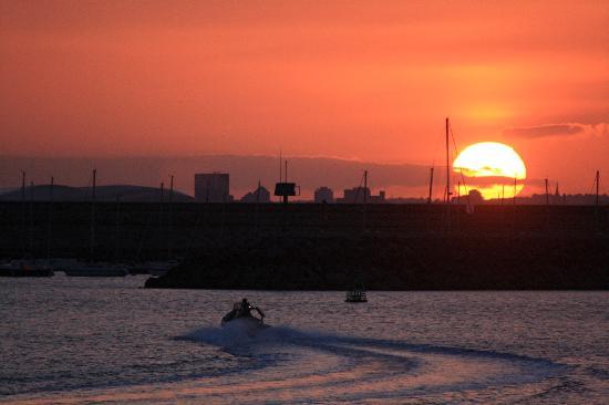Ingonish, Canadá: Speeding to Catch the Sun