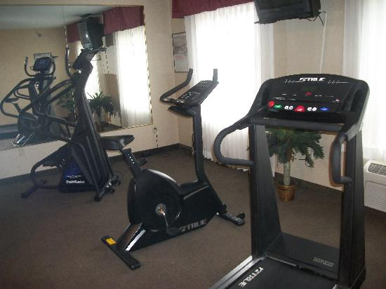 Hawthorn Suites by Wyndham Akron/Seville: Fitness Room!