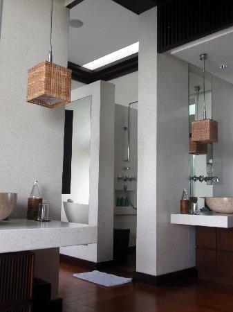 Four Seasons Resort Koh Samui Thailand: The Washroom