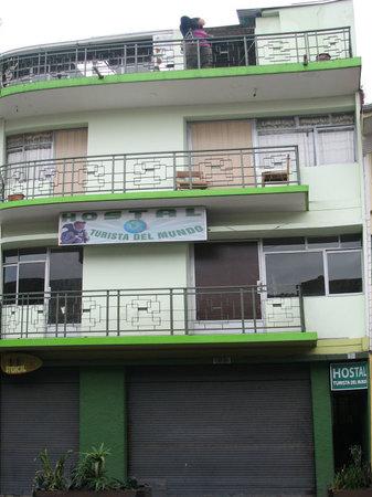 Hostal Turista del Mundo: Front view of the hostel