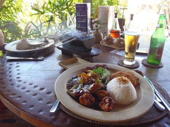 Bali Reef: Ayam Goreng Bumbu Kecap and Nasi Campur
