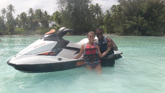Matira Beach : Posing with our jet ski