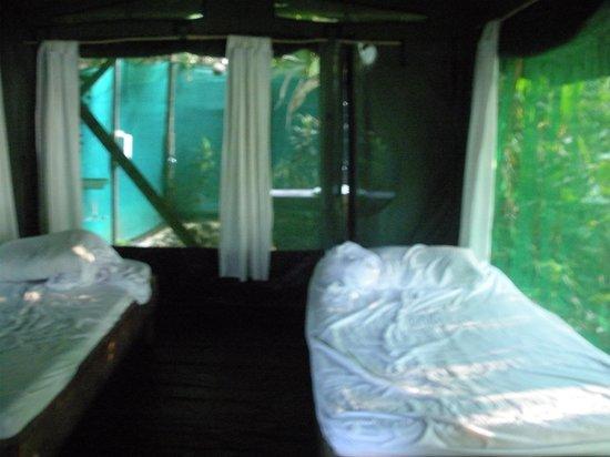 La Leona Eco Lodge: typical inside of tent