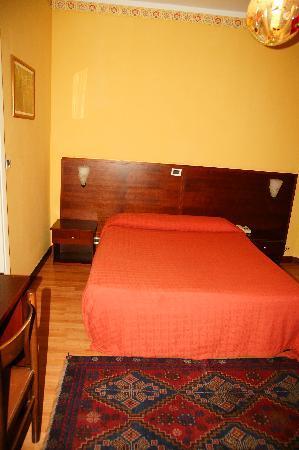 Hotel Valverde: Zimmer