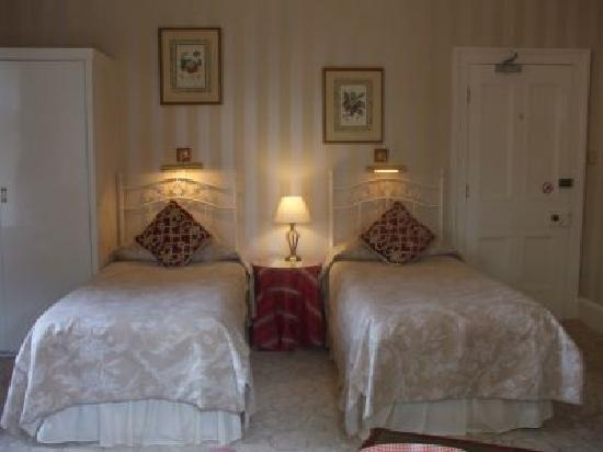 Oakwood Park Hotel: Comfortable, airy rooms