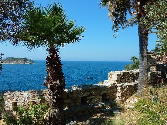 Kusadasi Castle: View from Bird Island