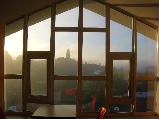 Hostal La Salle : panorama dalla sala